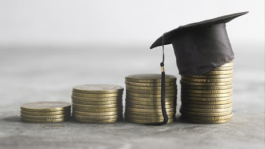 How to Get the Most Financial Aid? 7 Tips to Maximize College Funding
