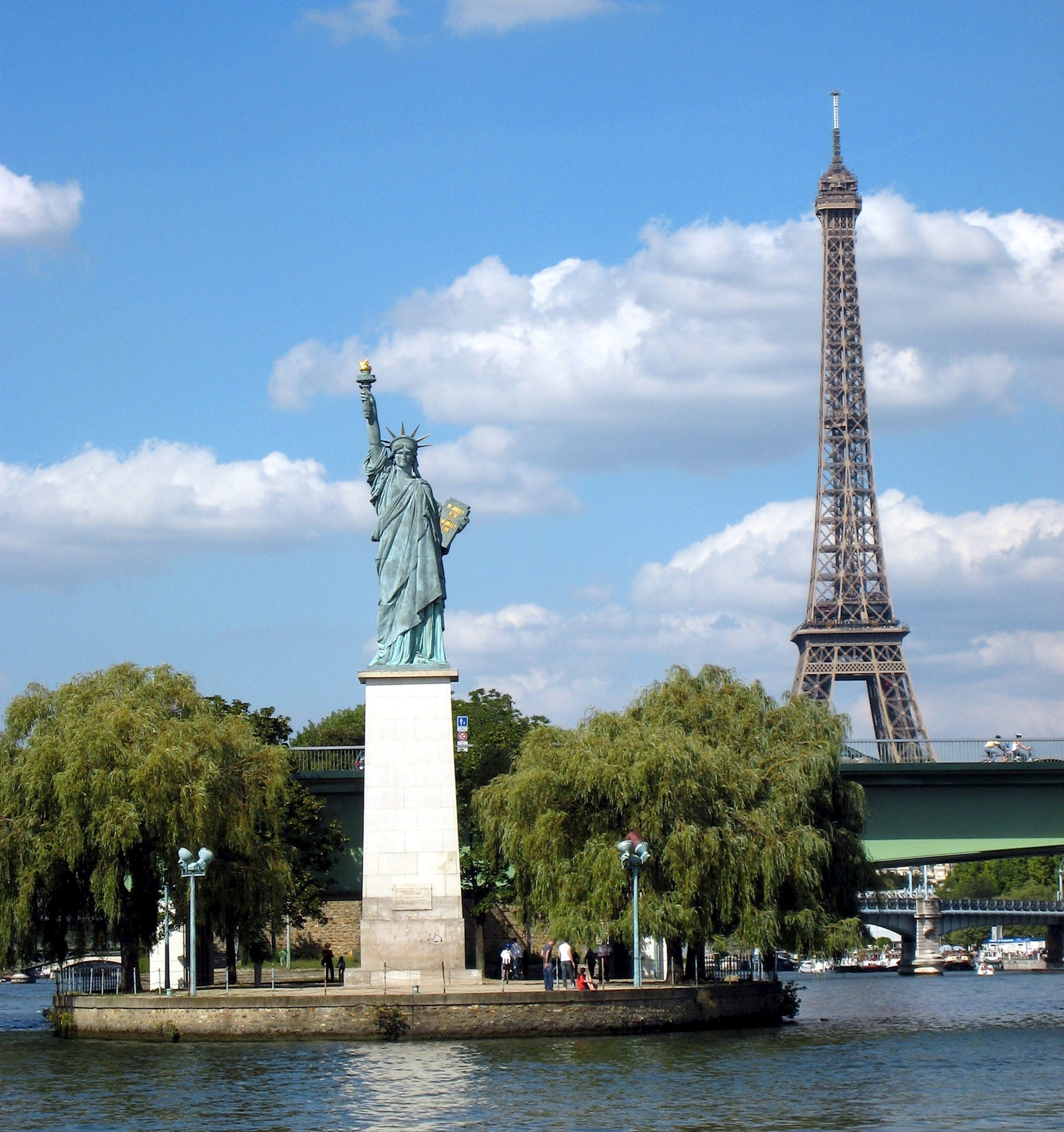 Studying Abroad: Here's Why France is the Obvious Choice